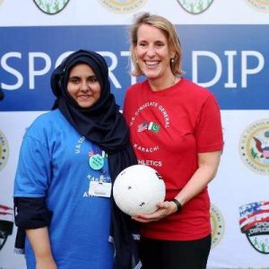 US_Consul_General_hosts_volleyball_clinic_2016-17 (7)