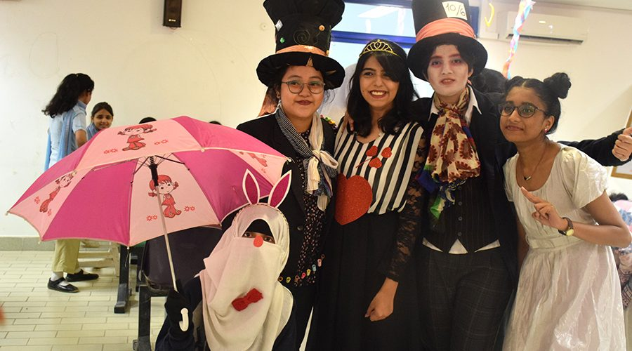Mad_Hatters_Tea_Party (2)